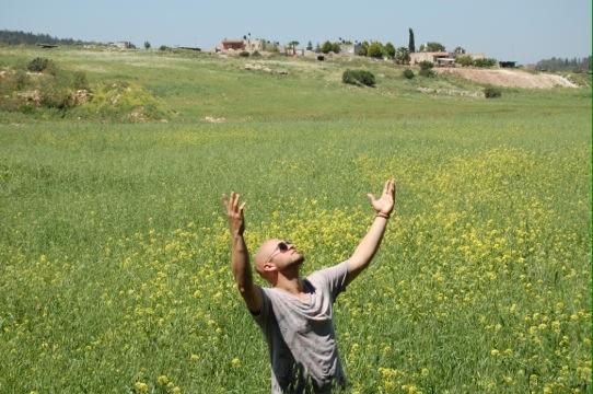Jesus Trail, Hands Raised
